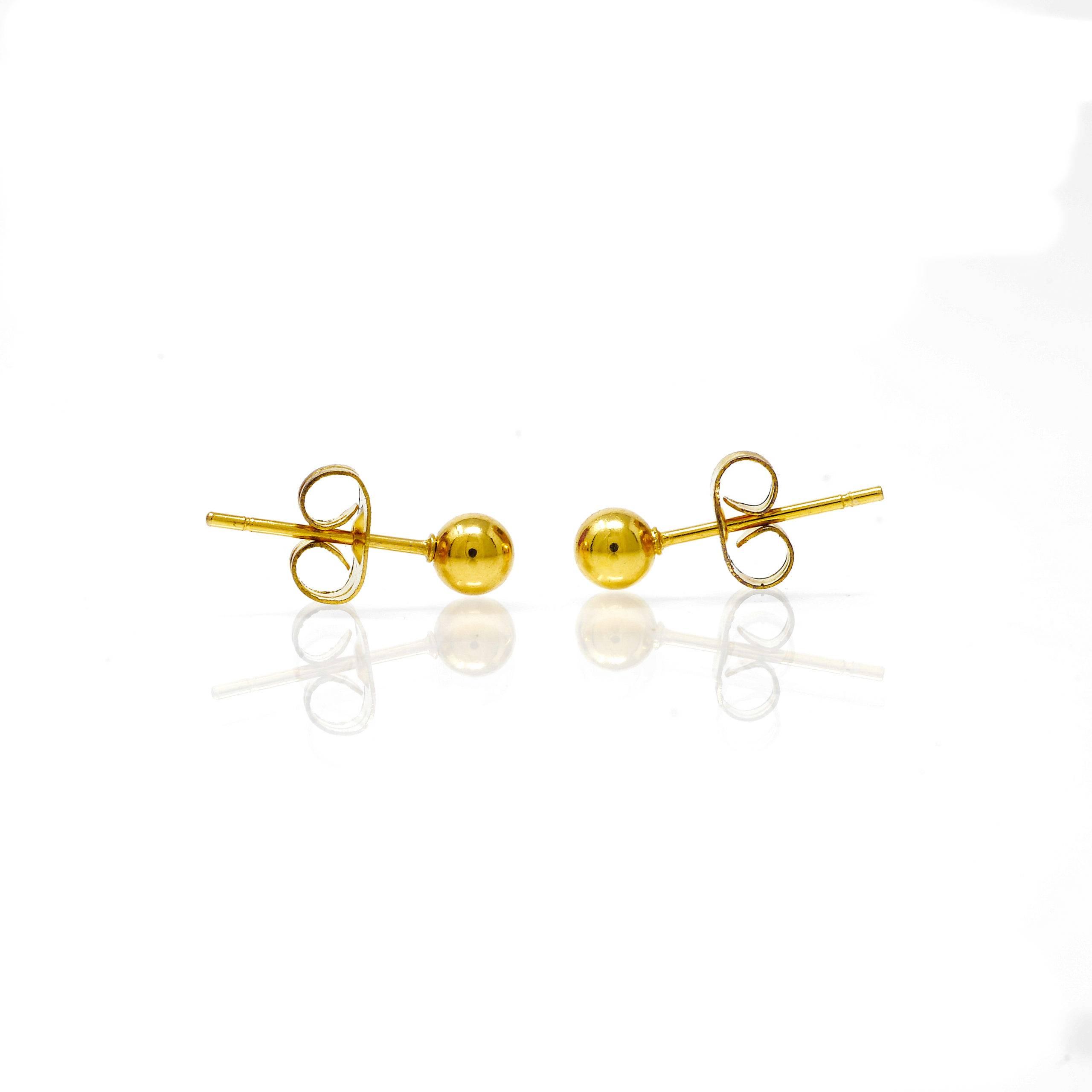 Boucles d oreilles acier doré 4mm